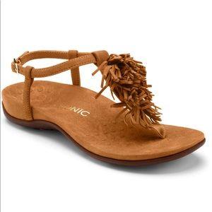 Vionic size 8 fringe sandal